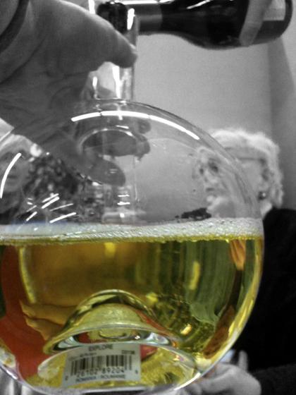 white wine decanter muscade