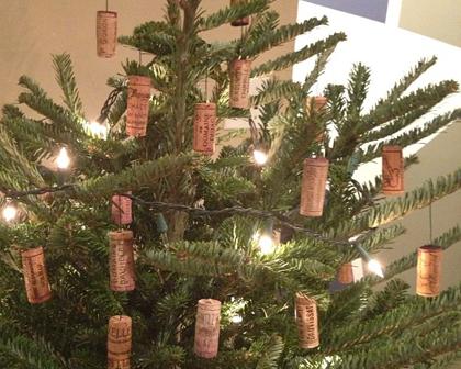 winecork xmas tree